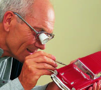 משקפיים מיקרוסקופים לכבדי ראייה
